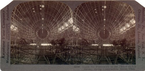 Stereoview_zeppelin