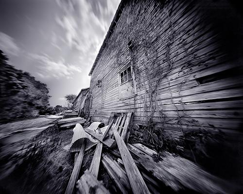 Pinhole_old_barn_by_integrity_of_li